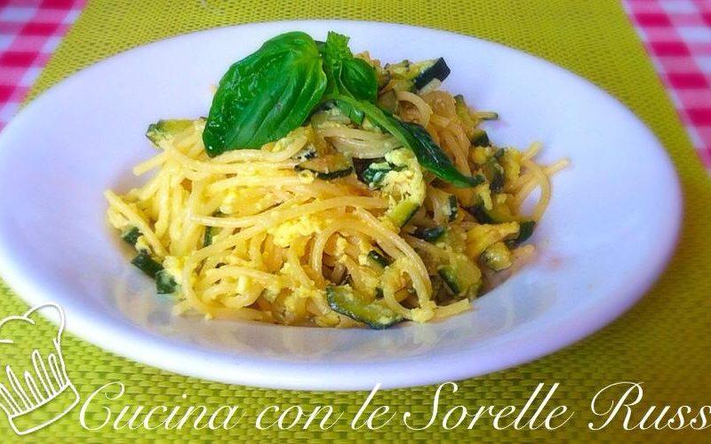 Spaghetti incamiciati con le zucchine