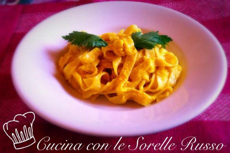 La pasta con la crema di carote e mandorle