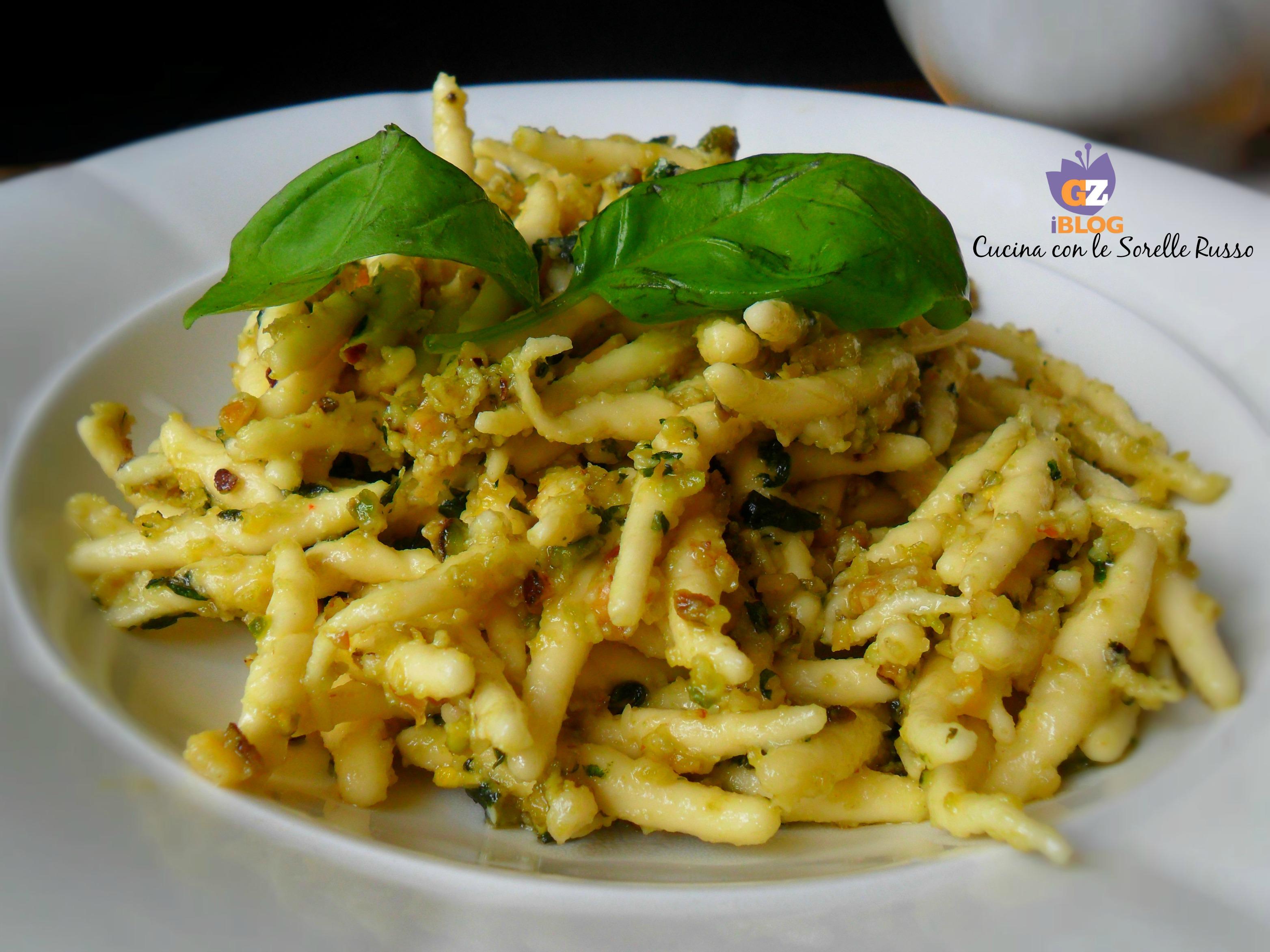 Trofie al pesto di basilico, pistacchi e noci 3