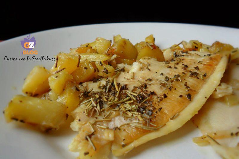 Filetti di platessa aromatici al forno con patate