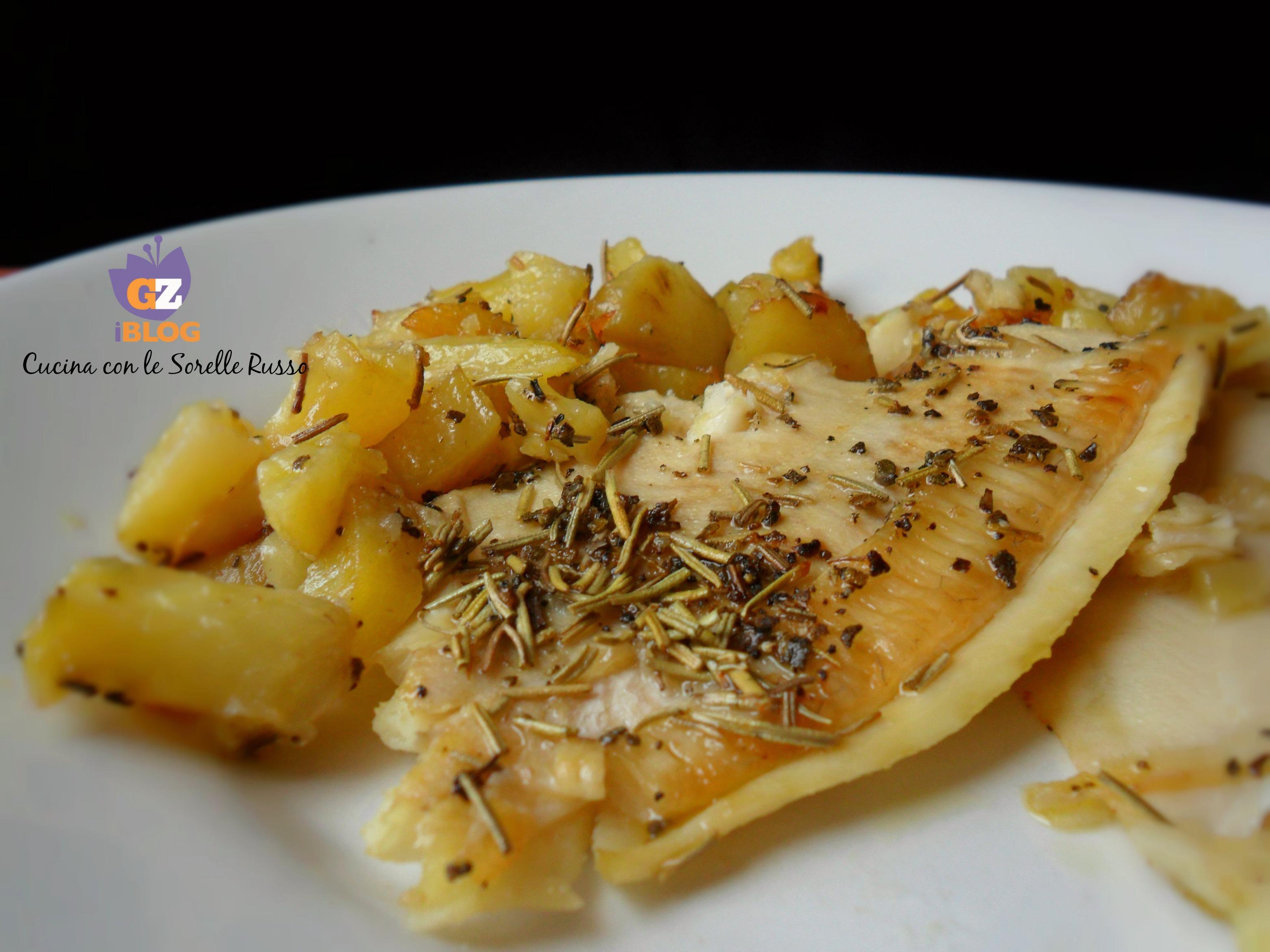 Filetti di platessa aromatici al forno con patate - Cucinare lo sgombro al forno ...
