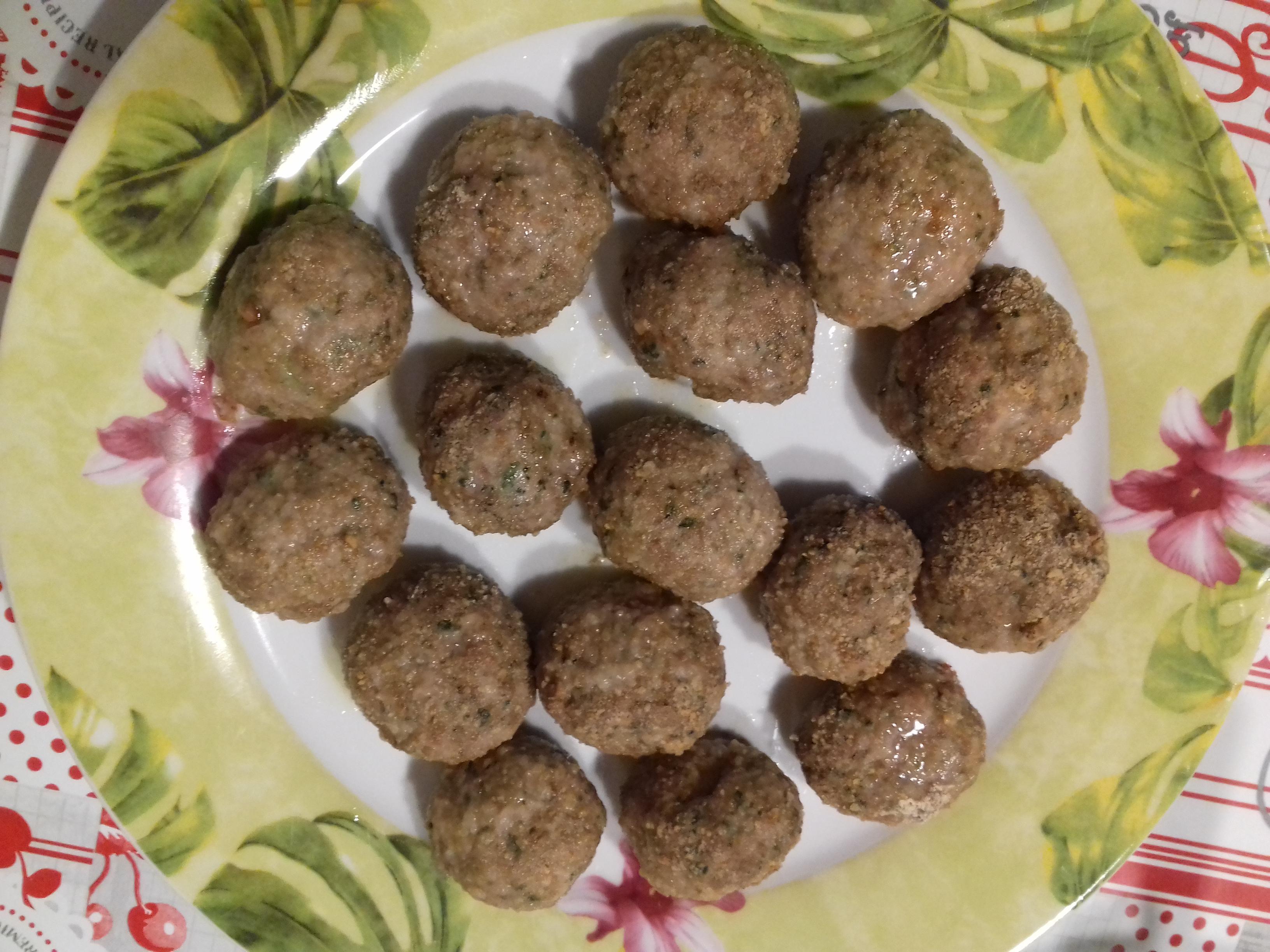 Polpette senza glutine con carne trita, bietole e ricotta