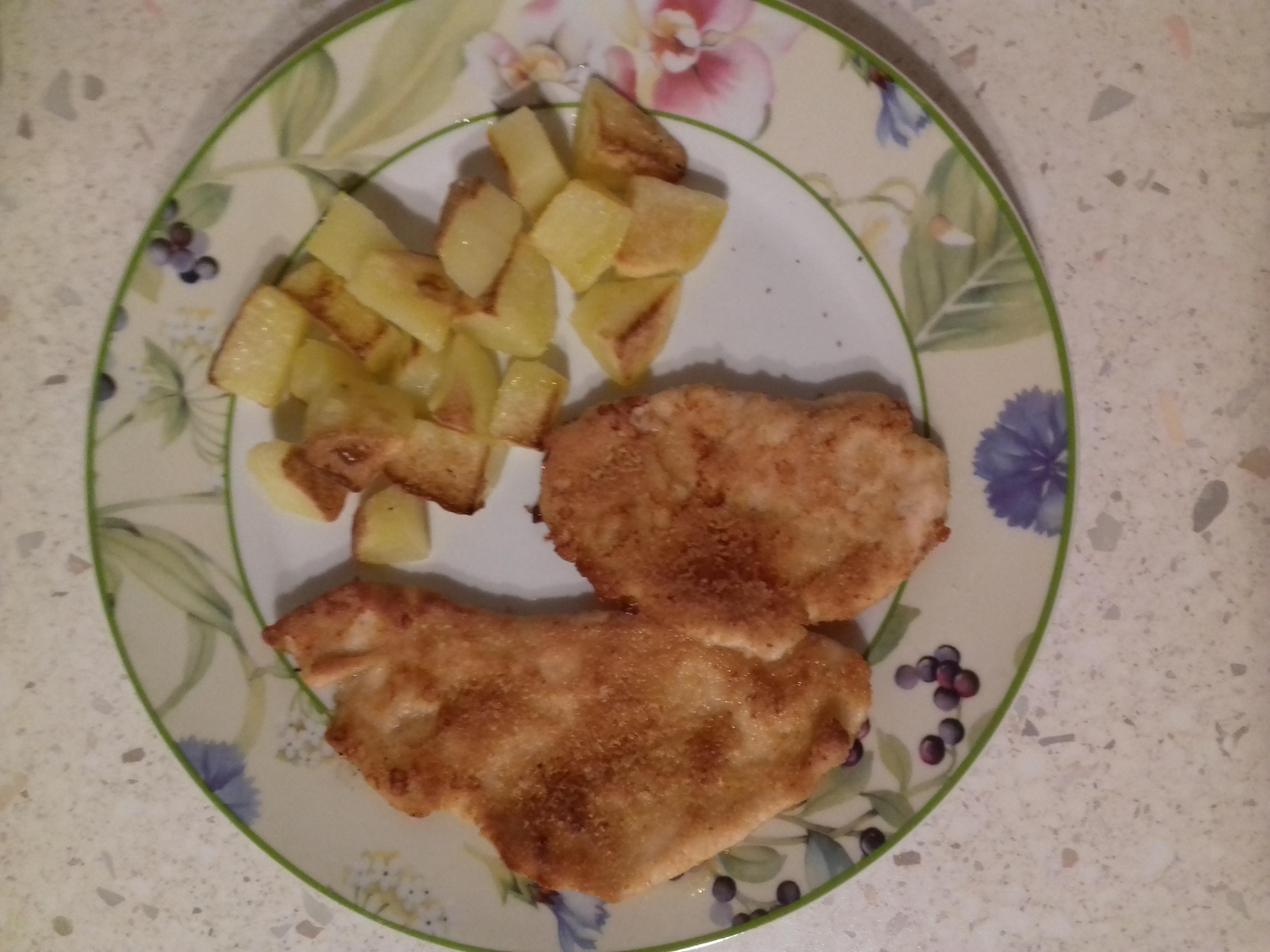 Patate morbide con cotoletta senza glutine di tacchino al forno