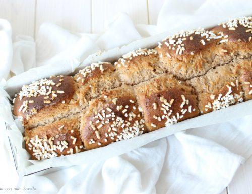 Pan brioche vegano al caffè d'orzo