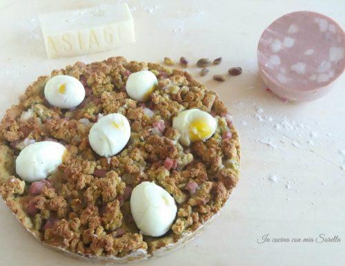 Sbriciolata salata al pistacchio ripiena di mortadella, asiago e uova sode – ricetta per Pasquetta