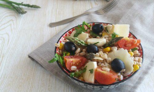 Insalata di farro vegetariana – ricetta estiva