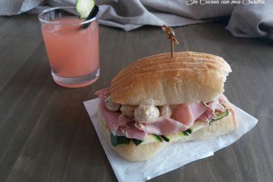 Sandwich al prosciutto zucchine e funghi