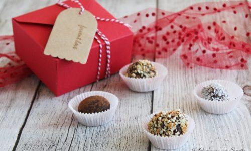 Tartufi al cioccolato e biscotti