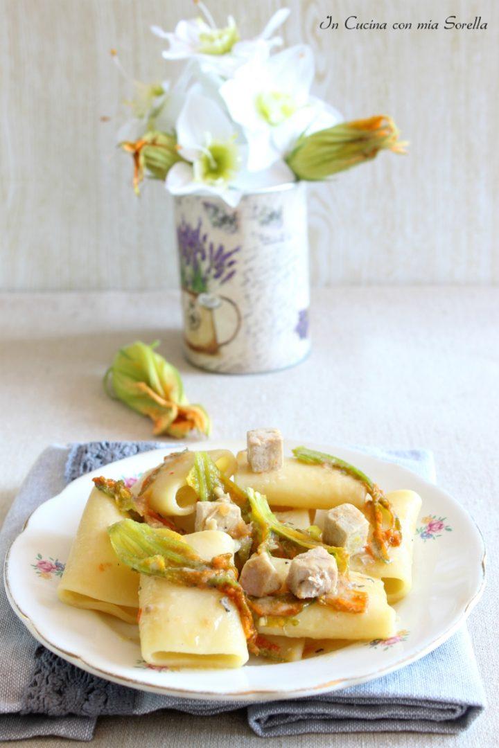 Paccheri fiori zucca e tonno fresco