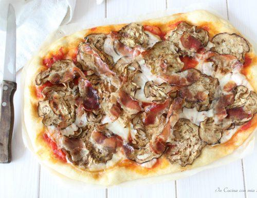 Pizza con speck e melanzane grigliate