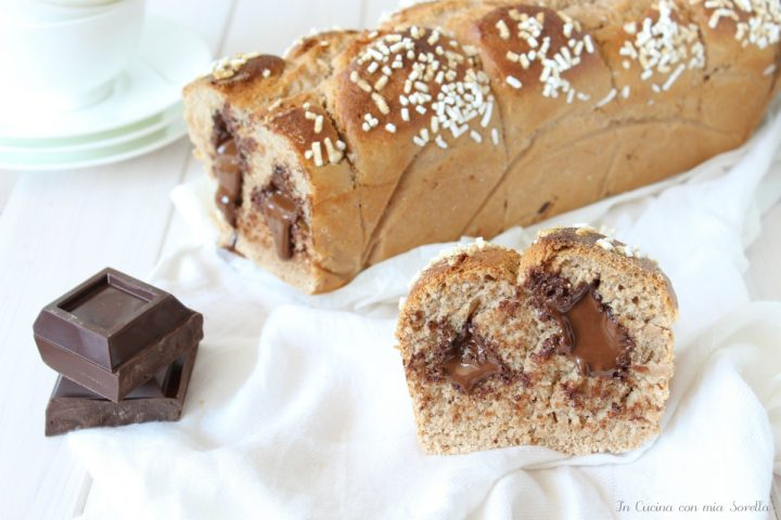 Pan brioche ripieno di cioccolato