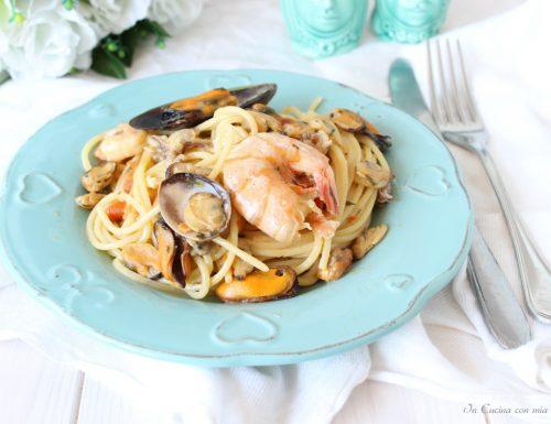 Spaghetti allo scoglio con pomodorini freschi