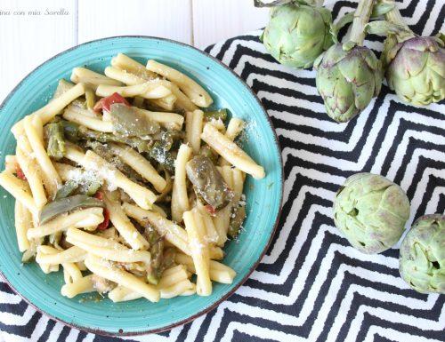 Pasta con asparagi e carciofi