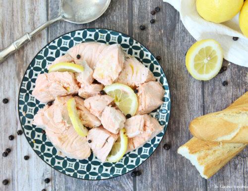 Salmone bollito al limone