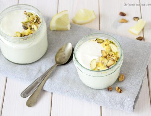 Mousse al limone e yogurt greco