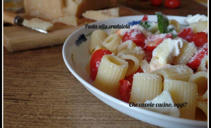 Pasta alla crudaiola con pomodorini e bufala