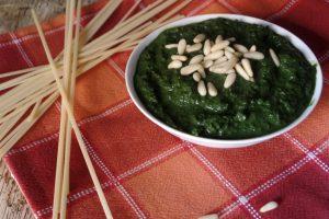 Pesto di basilico fatto in casa