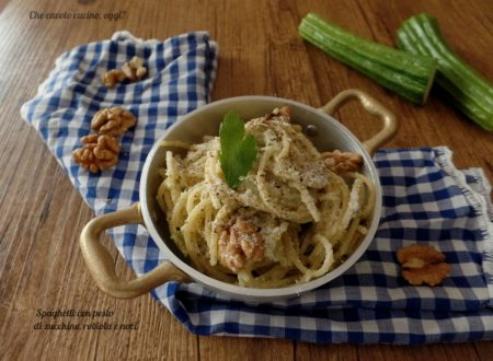 Spaghetti con pesto di zucchine, robiola e noci