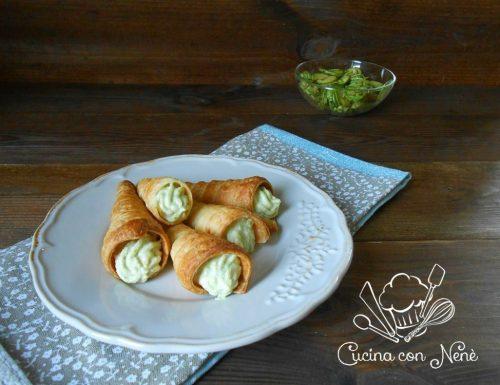 Cannoli di sfoglia ripieni di crema alle zucchine