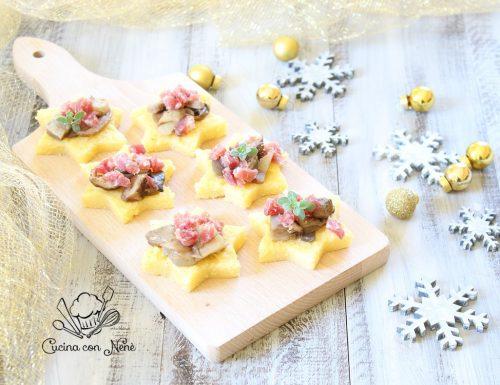 Stelle di polenta con gorgonzola, funghi e salame