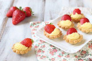 Pasticcini con fragole