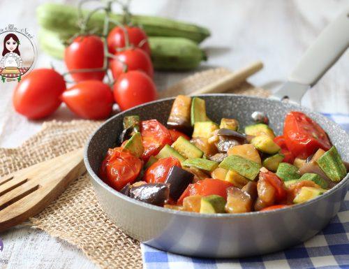 Melanzane zucchine e pomodorini in padella