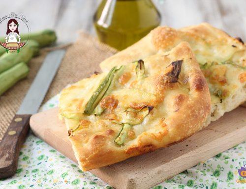 Focaccia zucchine e mozzarella