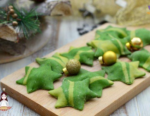 Stelle di Natale ripiene con spinaci e ricotta