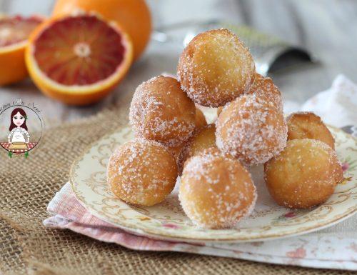 Castagnole con ricotta e arancia