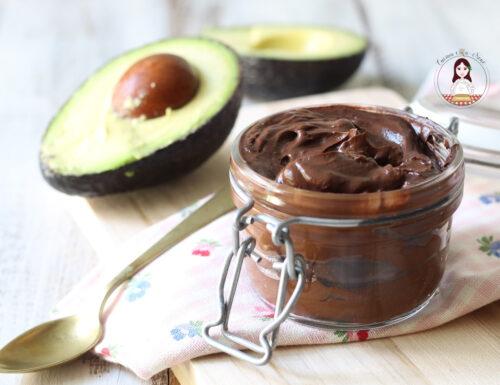 Crema spalmabile avocado e cacao