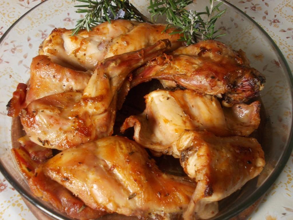 Coniglio arrosto salsa peverada cucina veneta tradizionale