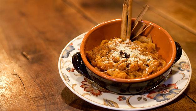 Trippa sugo aromatizzata rosmarino tipico piatto veneto