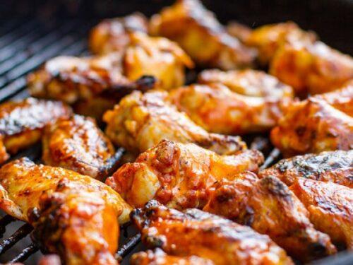 Alette pollo Buffalo Wings salsa piccante ricetta americana