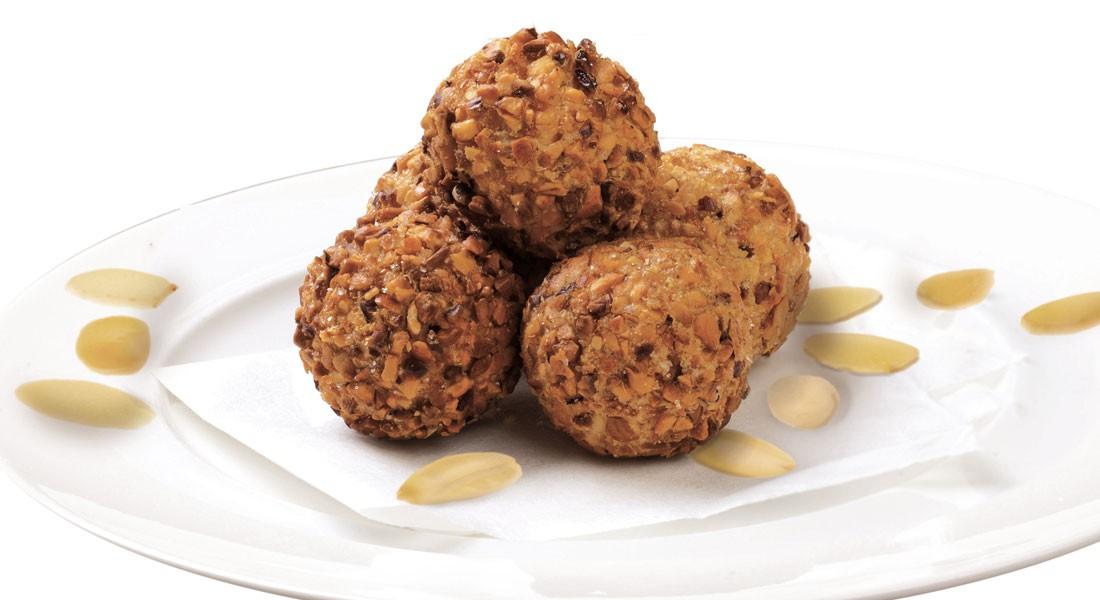 Crocchette patate mandorle noce moscata contorno sfizioso