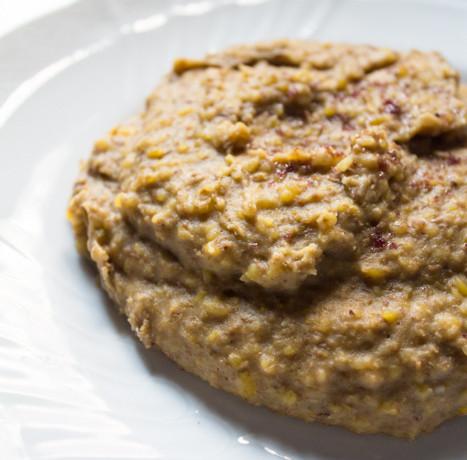 Purea lenticchie profumata erbe aromatiche carne dei poveri
