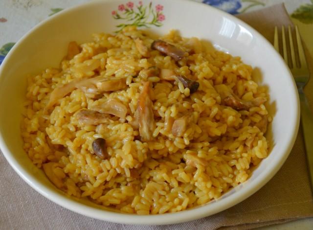 Risotto zafferano e funghi porcini primo piatto autunnale