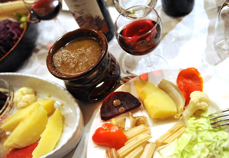 Bagna Cauda tipico piatto piemontese da venerdi' sera
