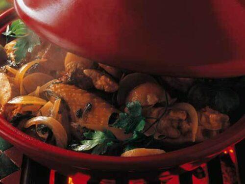 Tajine sovracosce fusi pollo alla frutta secca spezie