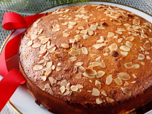Torta morbida del soldino Vasilopita dolce augurale greco