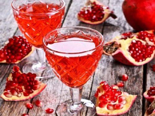 Liquore autunnale al melograno digestivo naturale e delicato