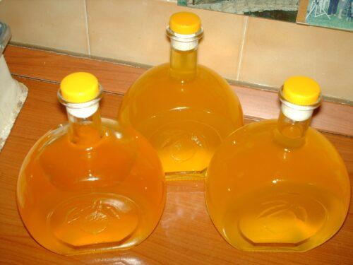 Liquori invernali casalinghi alla banana pastis all'arancia