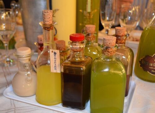 Liquori digestivi fatti in casa Persichino e Amaro alle Erbe