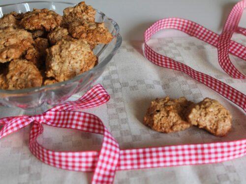 Ricette Dolci Biscotti brutti e buoni alle rose originalmente sfiziosi