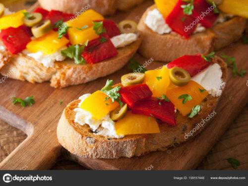 Antipasti sfiziosi Bruschetta con peperoni alla paprica