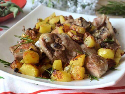Agnello con patate ottimo secondo piatto