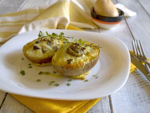 Antipasti economici natalizi Barchette di Patate farcite con Funghi e Formaggio