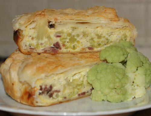 PIZZA SALATA con cavolo verde