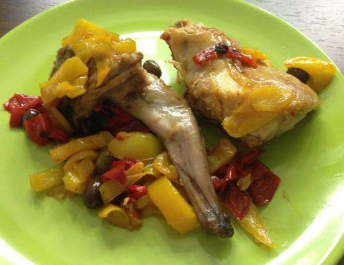 Coniglio con peperoni e olive taggiasche