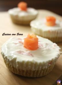 mini cheesecake salate al salmone e philadelphia
