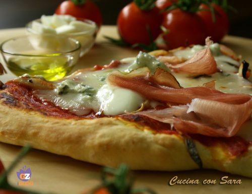 Pizza gorgonzola, cipolla e speck
